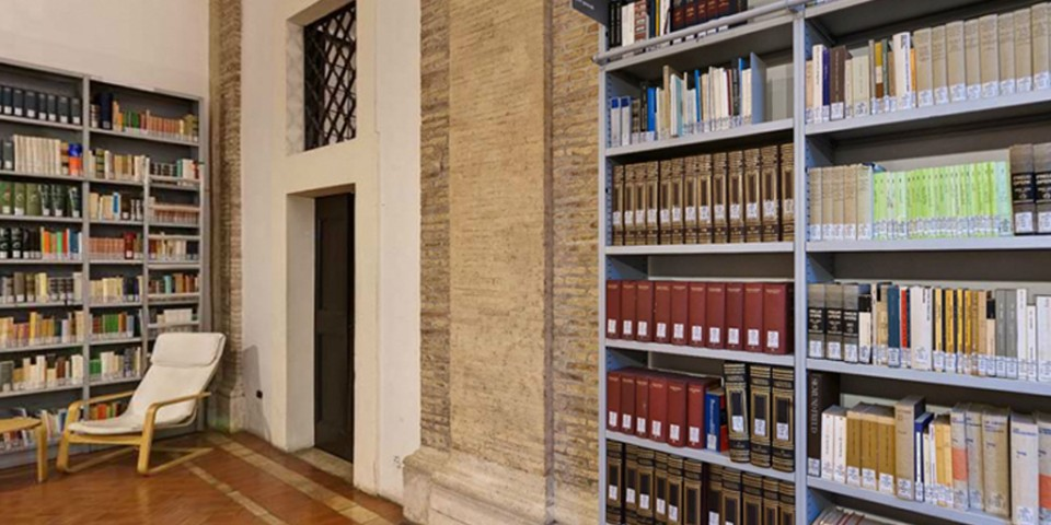 Biblioteche per roma studio di architettura carlo pozzi for Arredi per biblioteche